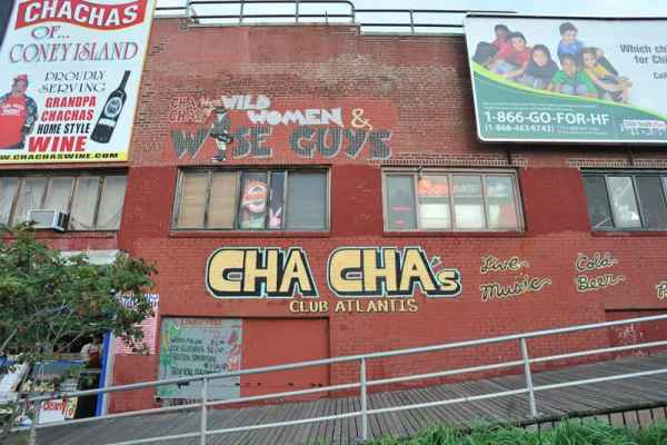 Insegne murals cha cha Long Beach New York USA